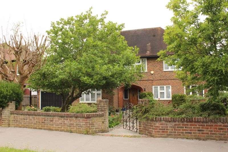 5 Bedrooms Property for rent in Grimwade Avenue, Croydon