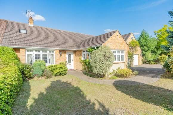 4 Bedrooms Detached House for sale in Sundon Crescent, Virginia Water