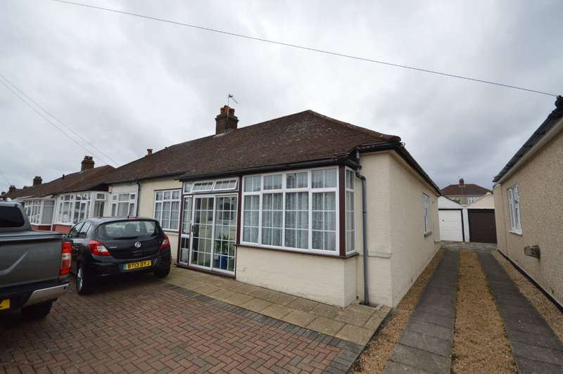 2 Bedrooms Semi Detached Bungalow for sale in Marley Avenue, Bexleyheath, DA7