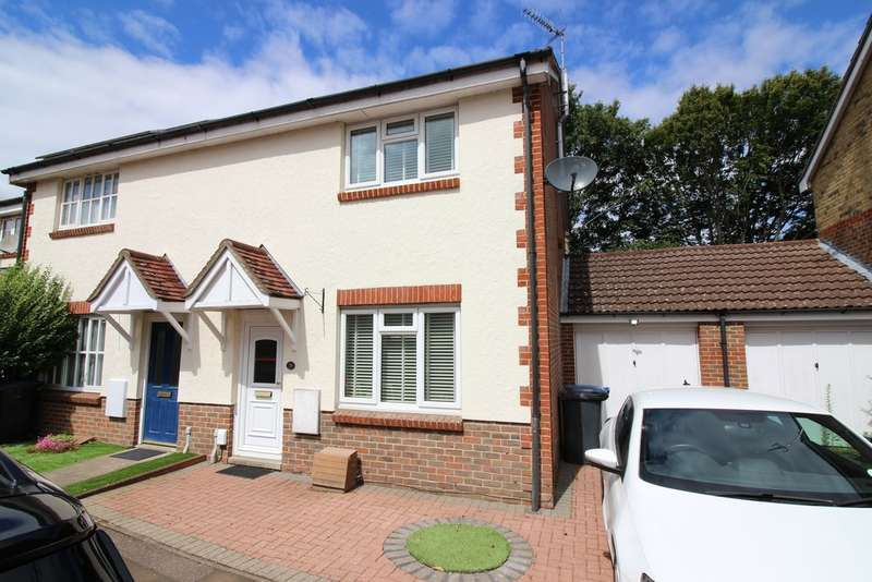 4 Bedrooms Semi Detached House for sale in Lavender Close, Harlow, CM20