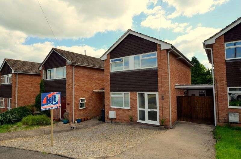 3 Bedrooms Property for sale in Queens Acre, Newnham
