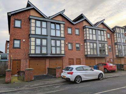 4 Bedrooms Semi Detached House for sale in Dunworth Street, Manchester, Greater Manchester