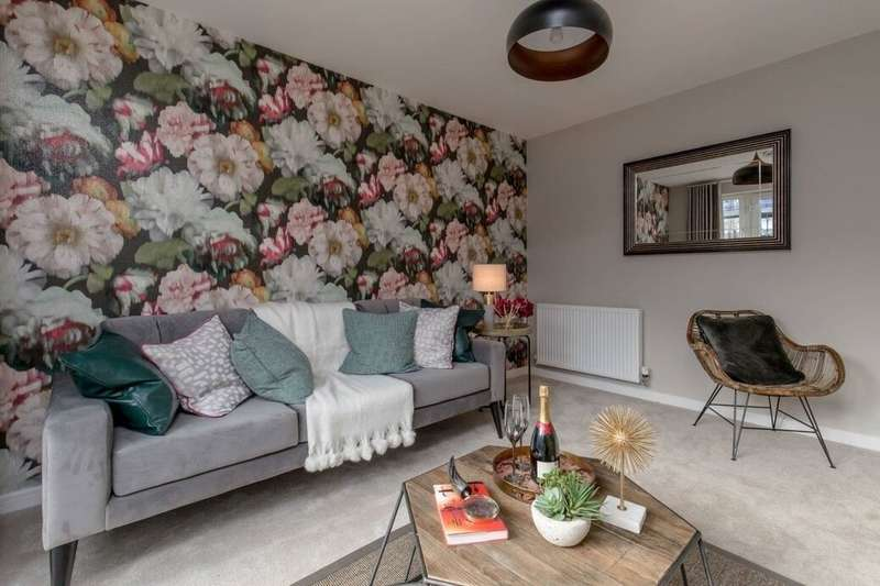 2 Bedrooms Flat for sale in The Green, EH11