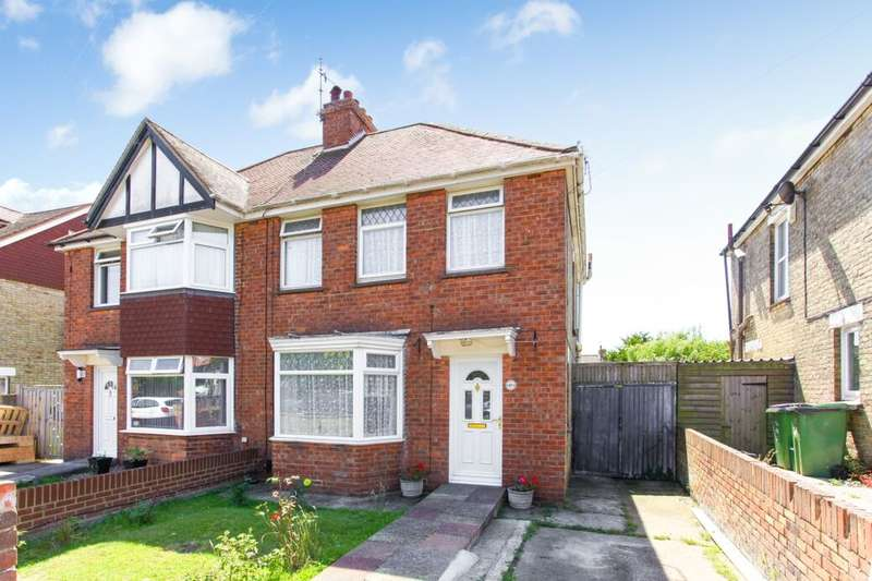 3 Bedrooms Semi Detached House for sale in Downs Road, Folkestone, CT19