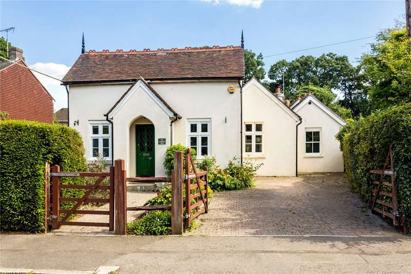 4 Bedrooms Detached House for sale in Ferndale Road, Burgess Hill, West Sussex, RH15