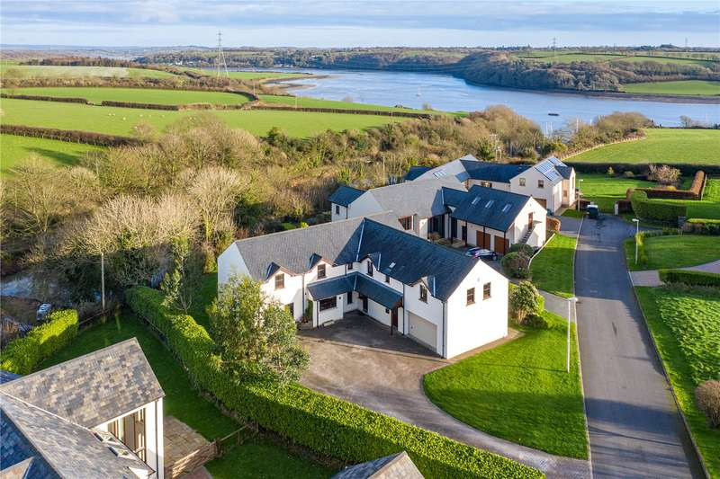4 Bedrooms Detached House for sale in Hawn Lake, Burton, Milford Haven