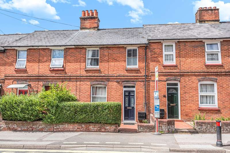 3 Bedrooms Terraced House for sale in Winchester Road, Basingstoke, RG21