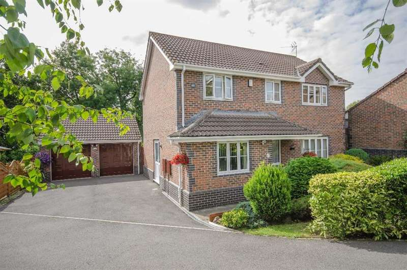 4 Bedrooms Detached House for sale in Adderly Gate, Emersons Green, Bristol, BS16 7EA