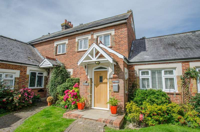 2 Bedrooms House for sale in St. Peters Green, Holwell, Hitchin, Hertfordshire, SG5