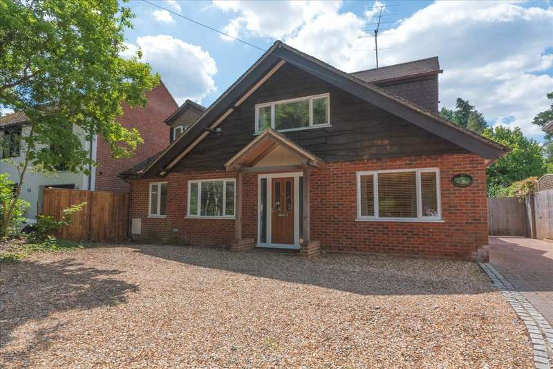 5 Bedrooms Detached House for sale in Pinehill Road, Crowthorne