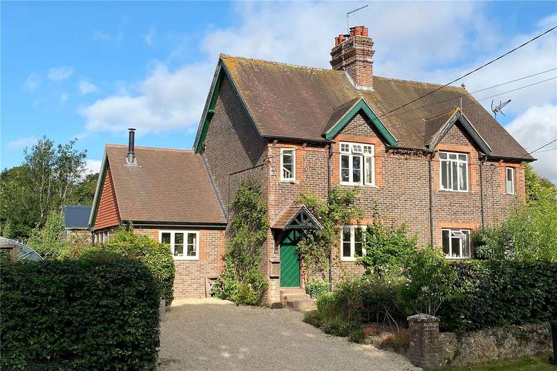 3 Bedrooms Semi Detached House for sale in Pond Cottages, Ramsdean, Petersfield, Hampshire, GU32