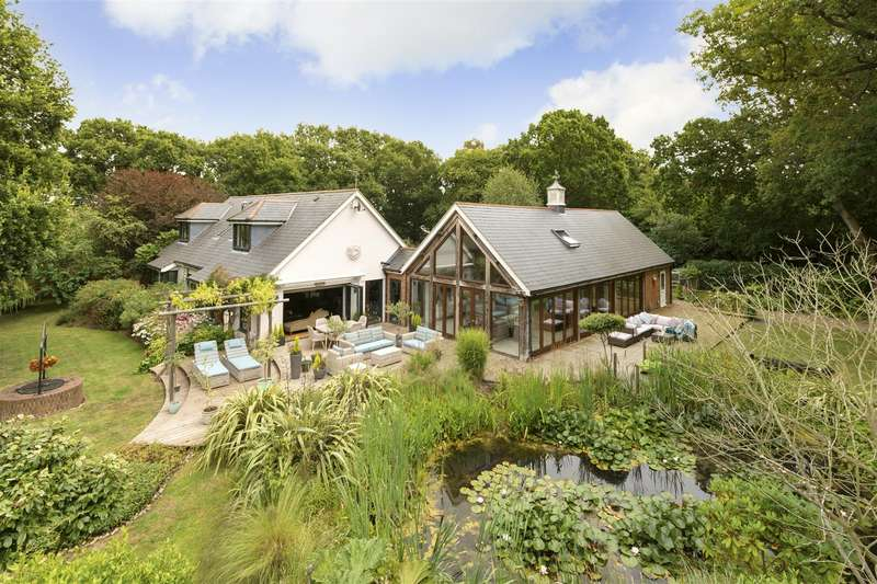 4 Bedrooms Detached House for sale in Willow Road, Whitstable