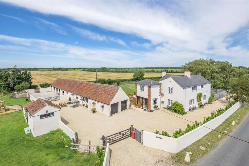 5 Bedrooms Detached House for sale in Water Eaton, Wiltshire, SN6