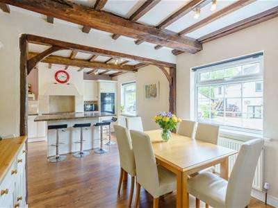 6 Bedrooms House for sale in Nicholls Lane, Oulton, Stone
