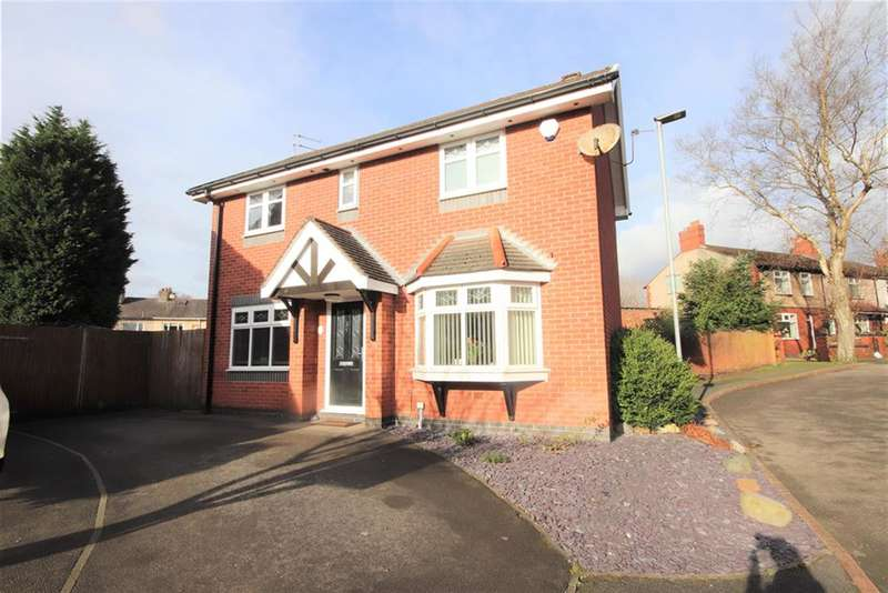 3 Bedrooms Detached House for sale in Brooklands Avenue, Leigh, WN7 3HJ