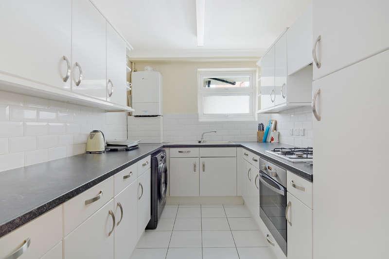 2 Bedrooms Flat for rent in Jubilee Court, Thornton Heath, CR7 6JL