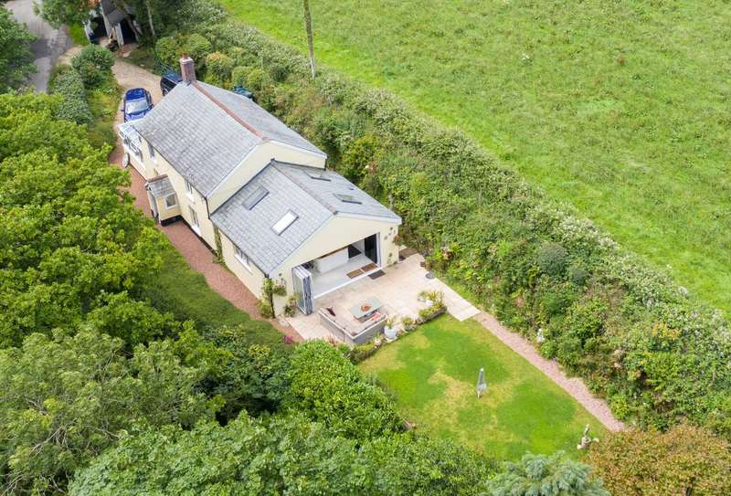 3 Bedrooms Detached House for sale in Virworthy, Sutcombe, Holsworthy, EX22