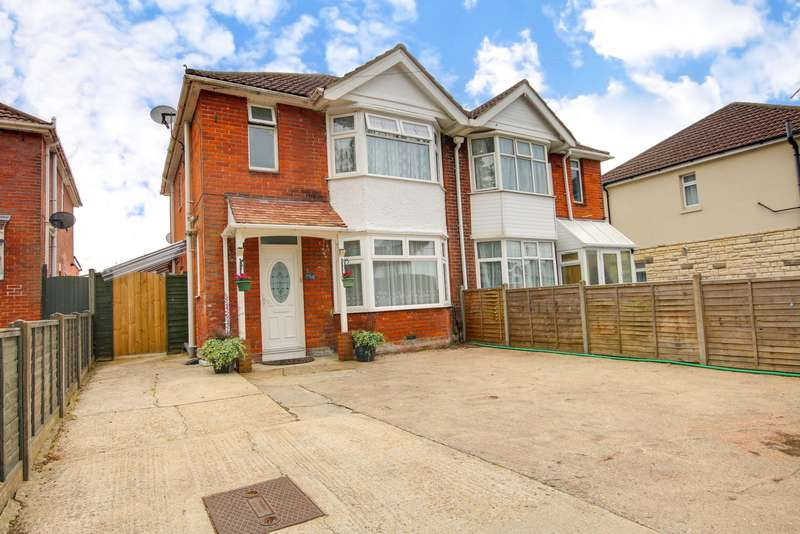 3 Bedrooms Semi Detached House for sale in Merryoak Road, Southampton