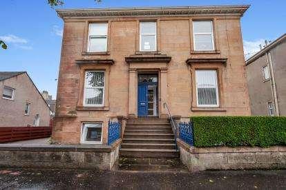 5 Bedrooms Flat for sale in Newton Street, Greenock