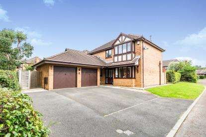 4 Bedrooms Detached House for sale in Somerset Park, Fulwood, Preston, Lancashire, PR2