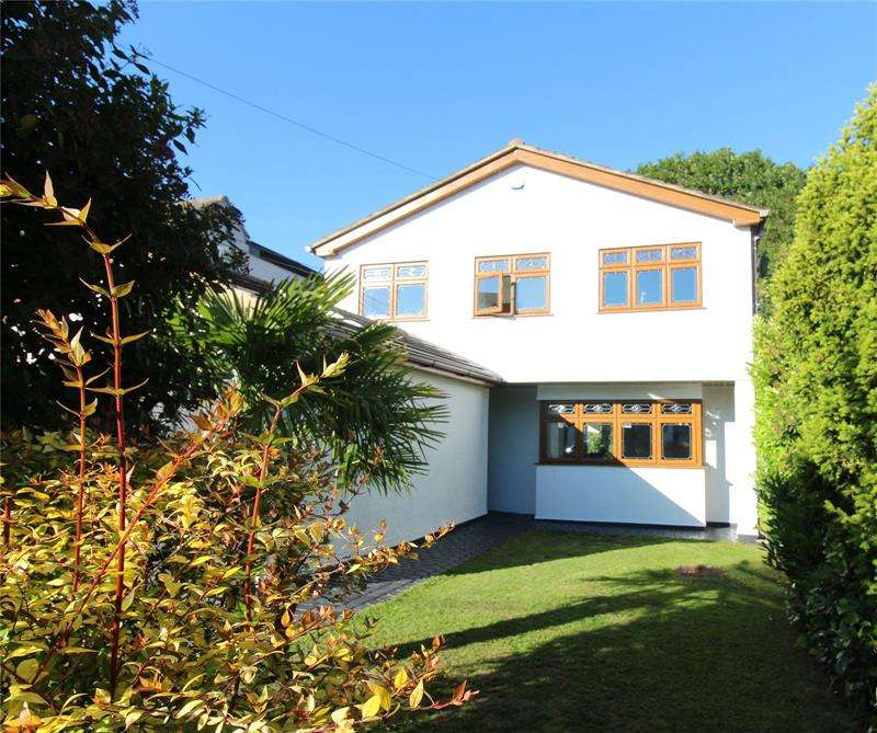 4 Bedrooms Detached House for sale in Orchill Drive, Daws Heath, Essex, SS7