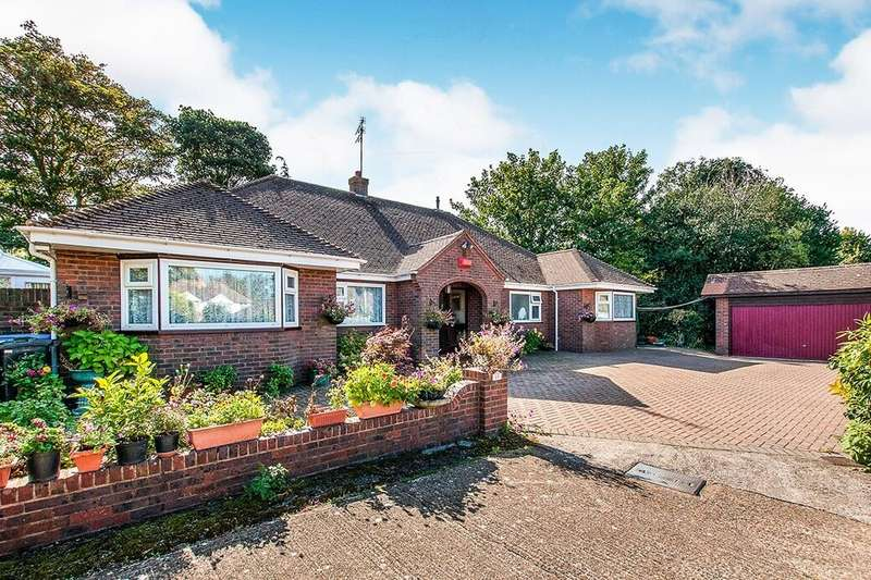 5 Bedrooms Detached Bungalow for sale in Vale Road, Broadstairs, CT10