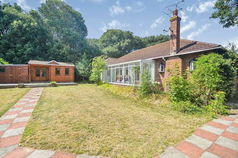 4 Bedrooms Detached Bungalow for sale in Woodland Way, Broadstairs, CT10
