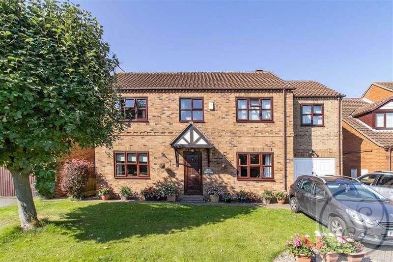 4 Bedrooms Detached House for sale in Summerfield Drive, Knottingley, West Yorkshire