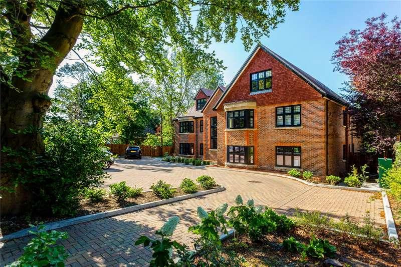 2 Bedrooms Flat for sale in Silvertrees, Landscape Road, Warlingham, Surrey, CR6