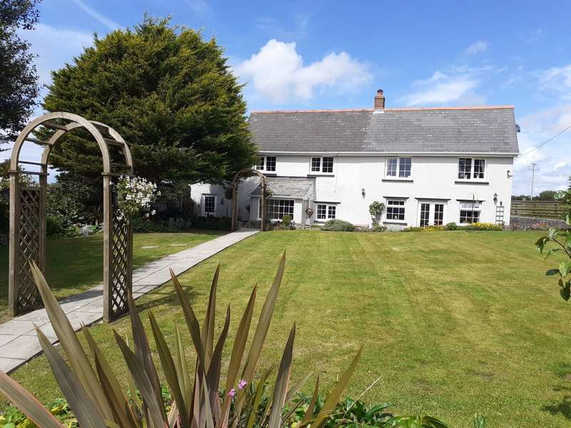5 Bedrooms Detached House for sale in North Petherwin, Launceston, Cornwall, PL15