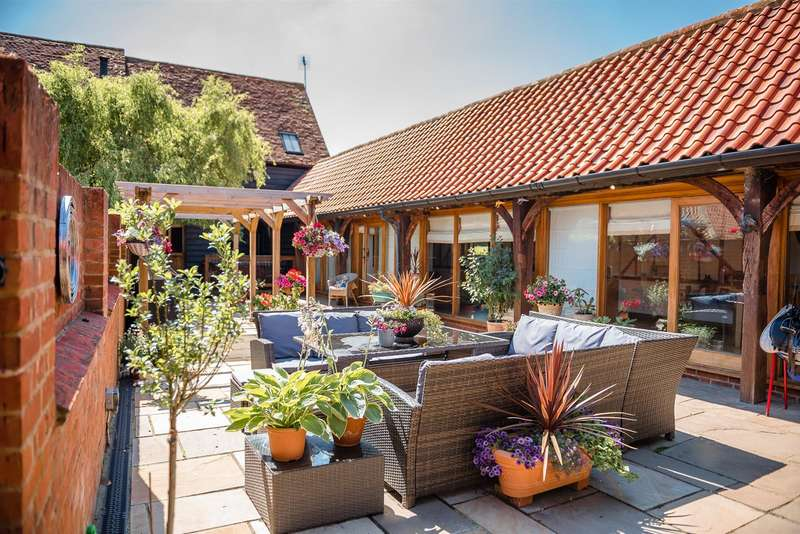 4 Bedrooms House for sale in Beadlow, Shefford, Bedfordshire
