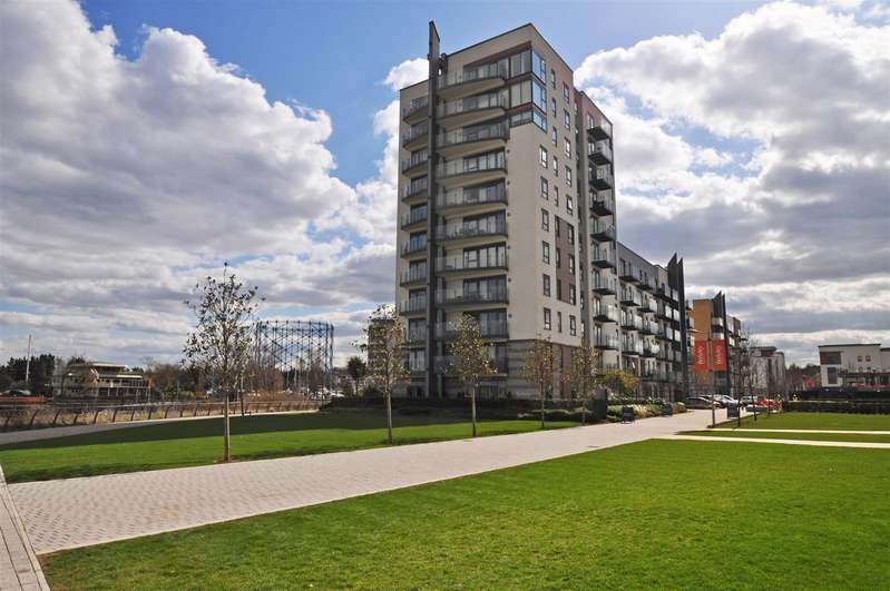 3 Bedrooms Apartment Flat for sale in Marina Heights, Pearl Lane, GILLINGHAM