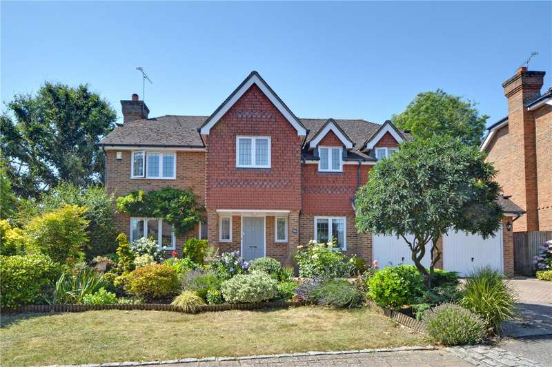 4 Bedrooms Detached House for sale in Fernwood Close, Bromley, BR1