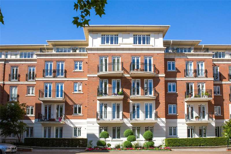4 Bedrooms Flat for sale in Richmond Bridge Estate, Clevedon Road, East Twickenham, TW1