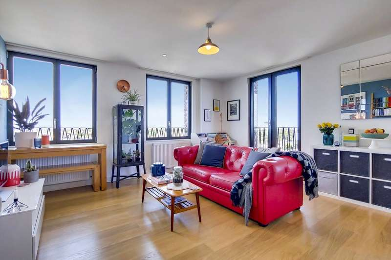 1 Bedroom Flat for sale in Saxon Court, 5 York Way, London, N1C