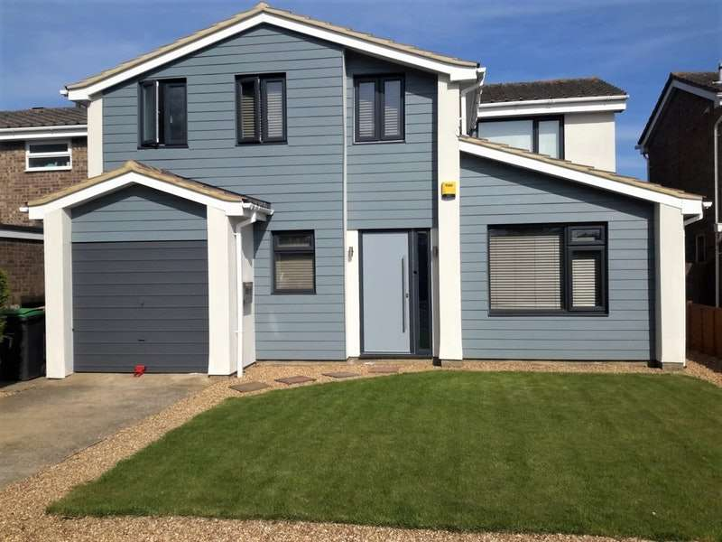 4 Bedrooms Detached House for sale in Chagford Close, Bedford, Bedfordshire, MK40