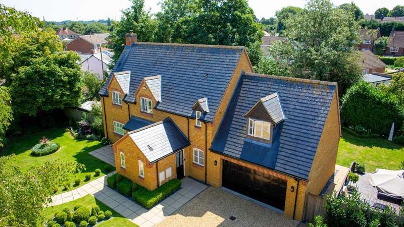 4 Bedrooms House for sale in Cross Street, Daventry