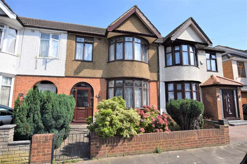3 Bedrooms Terraced House for sale in Meadway, Seven Kings, IG3