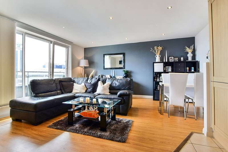 2 Bedrooms Apartment Flat for sale in XQ7 Building, Taylorson Street South, Salford, M5