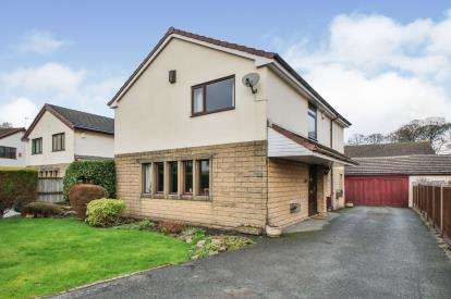 4 Bedrooms Detached House for sale in Round Hill Place, Cliviger, Burnley, Lancashire