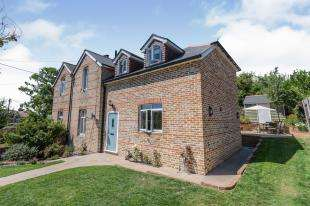 4 Bedrooms Semi Detached House for sale in Church Farm Cottages, Church Lane, Etchingham, East Sussex