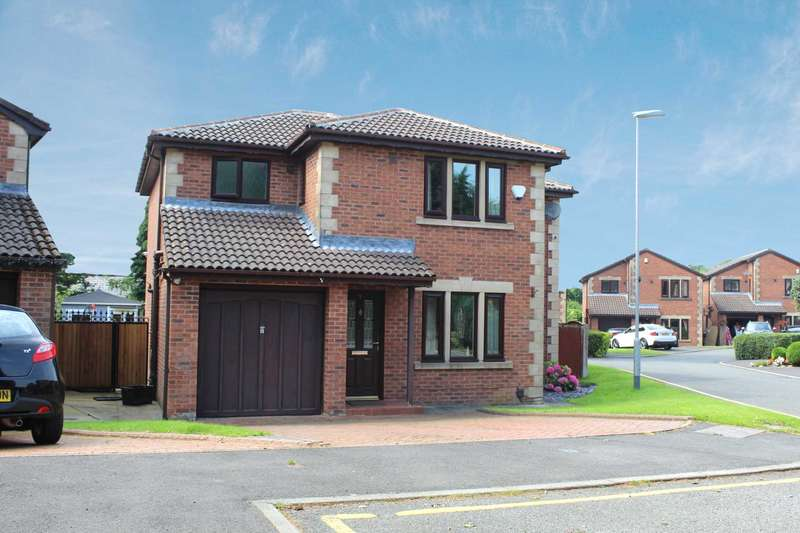 4 Bedrooms Detached House for sale in Millbrae Gardens, Shaw