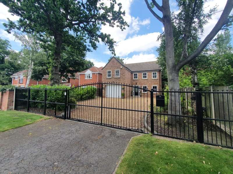 4 Bedrooms Detached House for sale in Grange Road, Doncaster, South Yorkshire, DN4