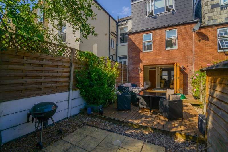 3 Bedrooms House for sale in Dorothy Road, London, SW11