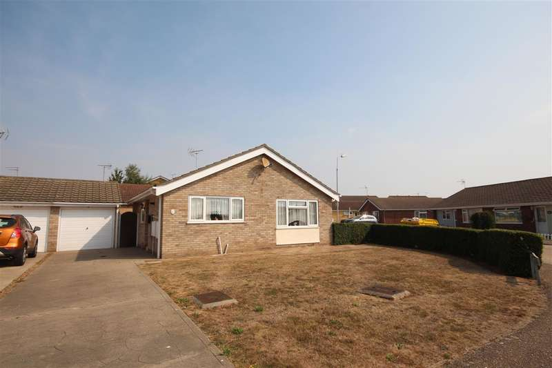 2 Bedrooms Bungalow for sale in Havering Close, Great Clacton