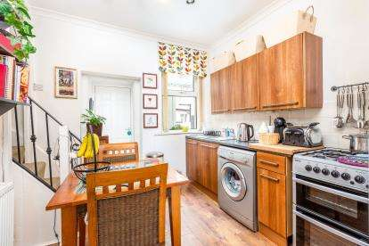 2 Bedrooms Terraced House for sale in Stoney Street, Burnley, Lancashire, BB11