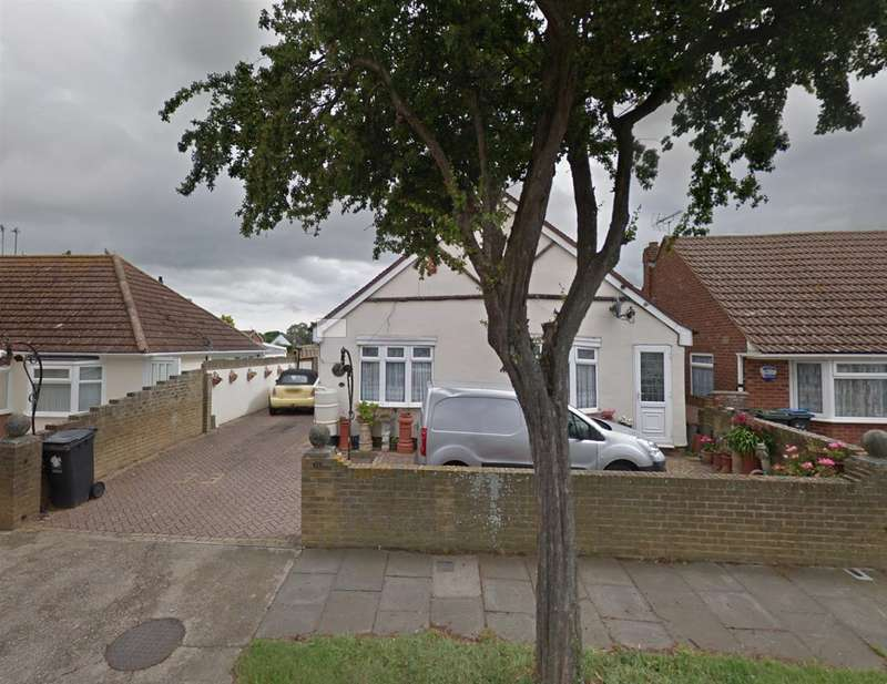 4 Bedrooms Detached Bungalow for sale in Quex View Road, Birchington