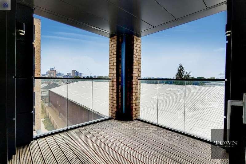 3 Bedrooms Flat for rent in Grafton Quarter, Croydon, CR0 3BZ