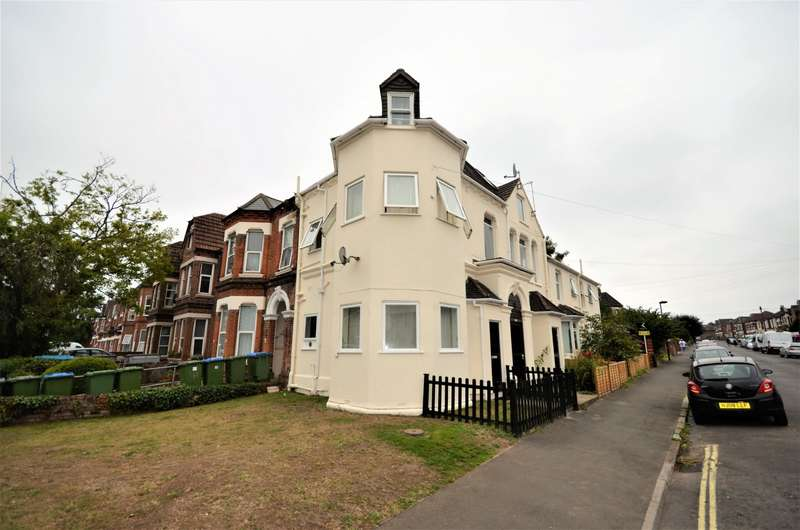 Studio Flat for sale in Alma Road, Southampton, SO14