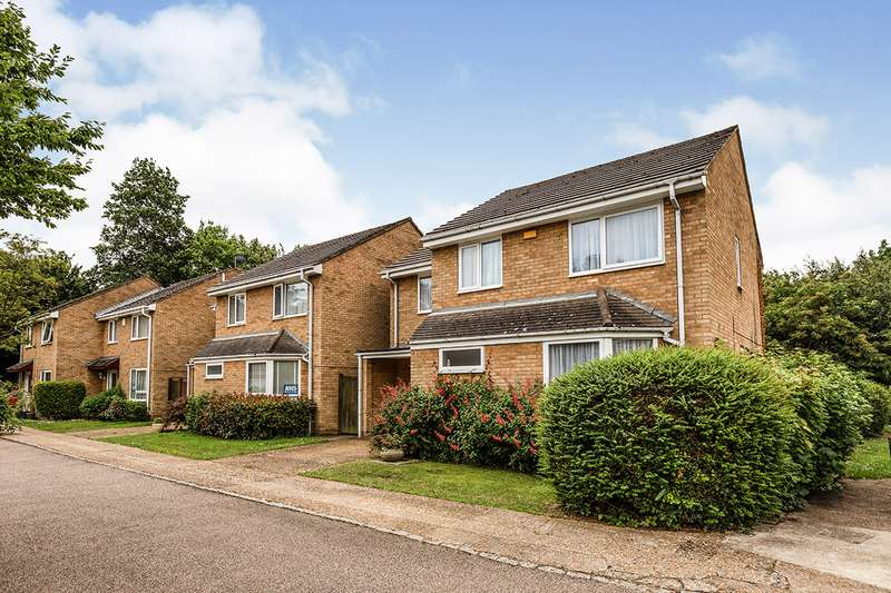 4 Bedrooms Detached House for sale in Olivers Mill, New Ash Green, Kent, DA3